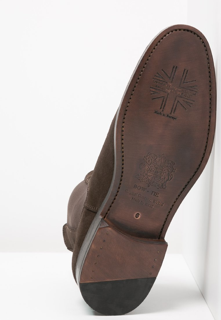 chelsea boots 9