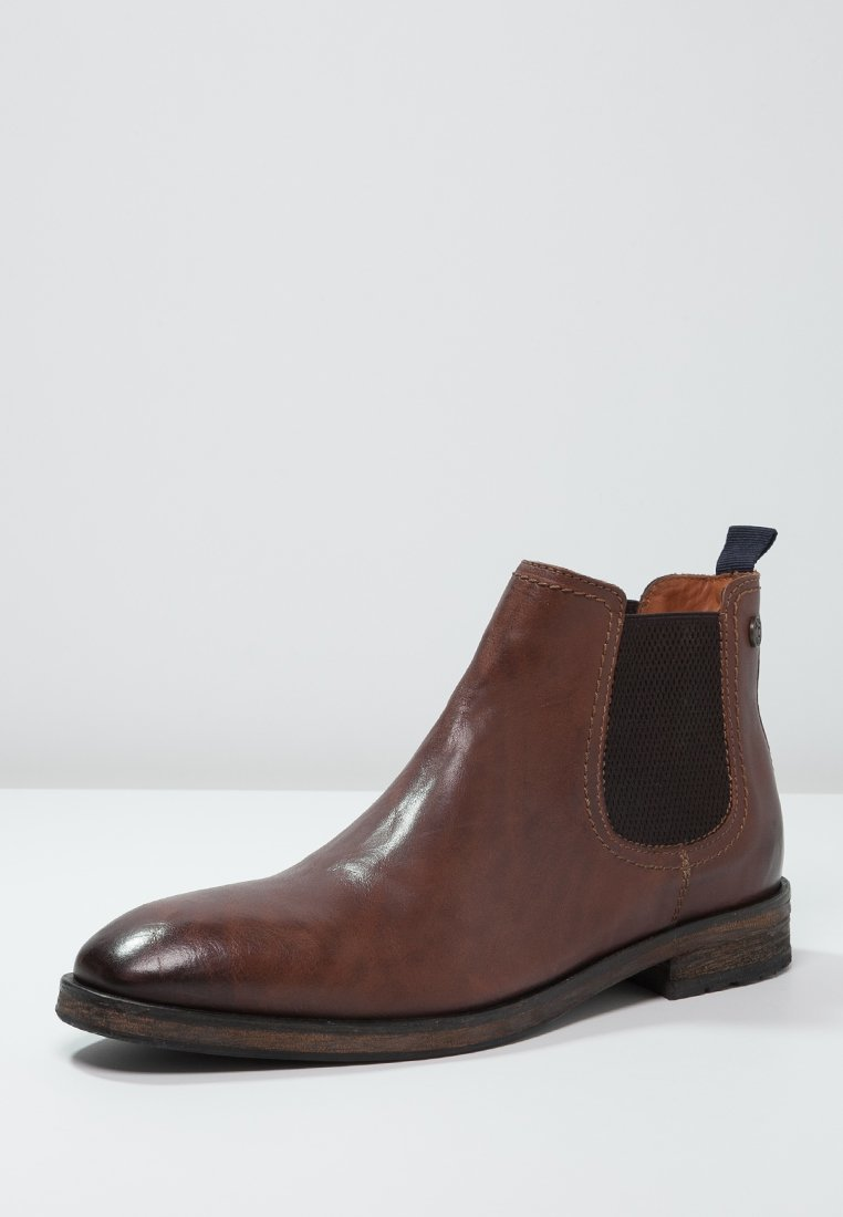 Chelsea boots 16