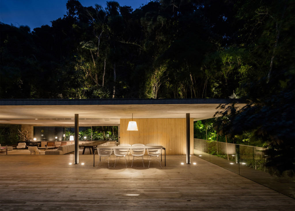 jungle-house-mk27-brazil-rainforest-fernando-guerra-extra_dezeen_1568_26-1024×731