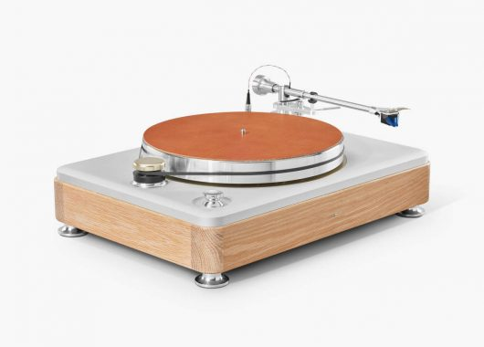 Runwell Turntable 2