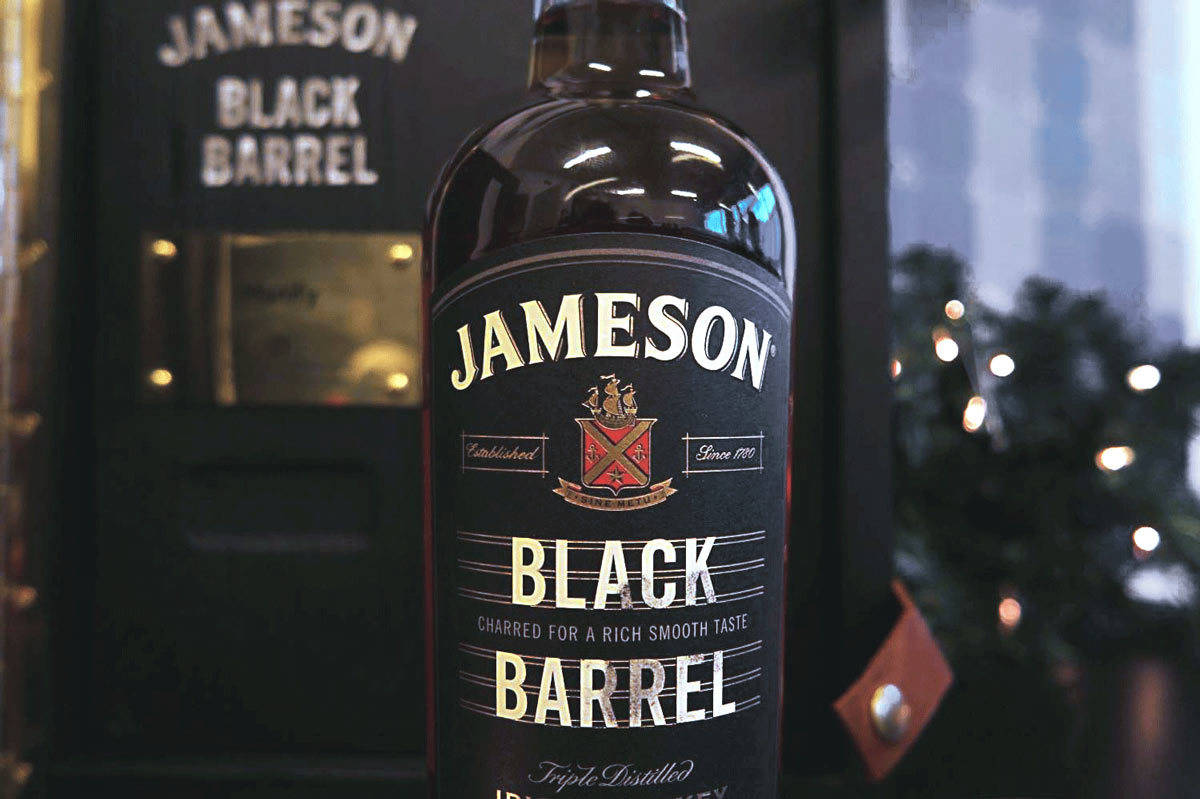 jameson-black-barrel-manify2