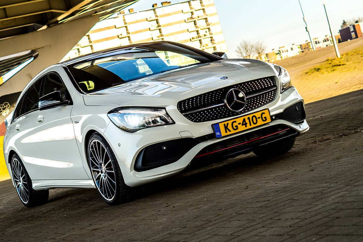 Mercedes-Benz-CLA-250-10