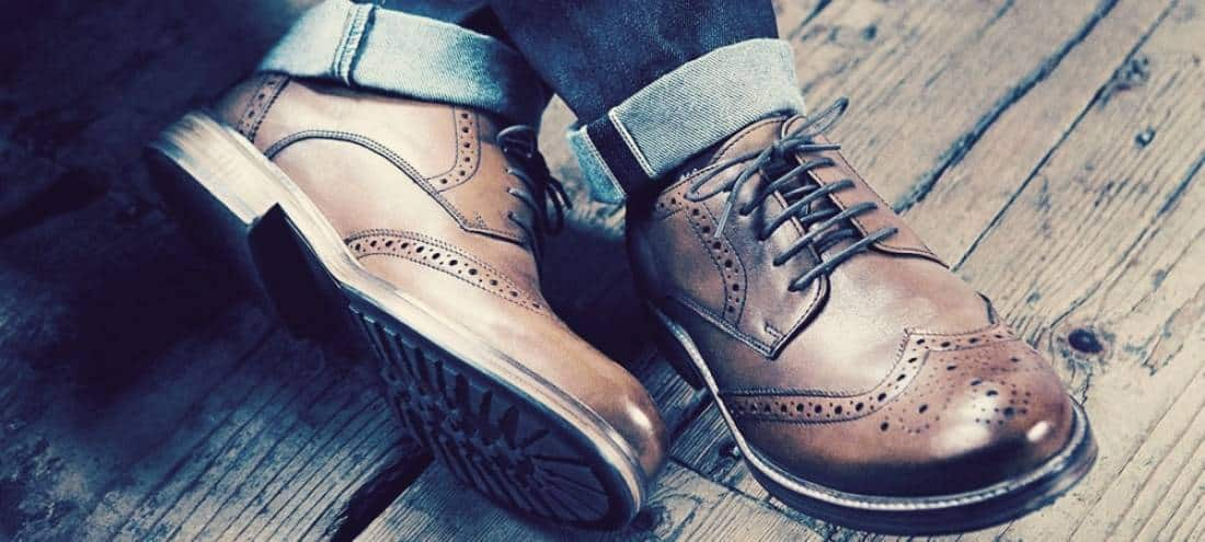 Dress shoes met jeans