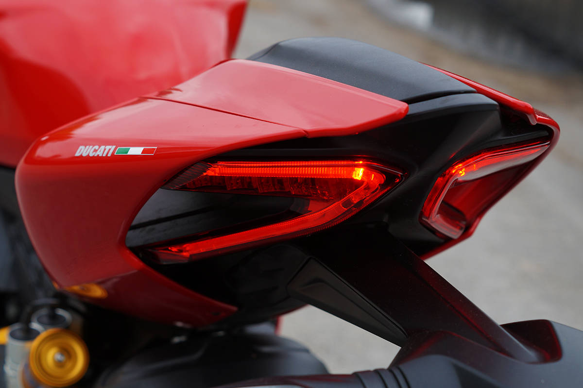 1299-panigale-s-10