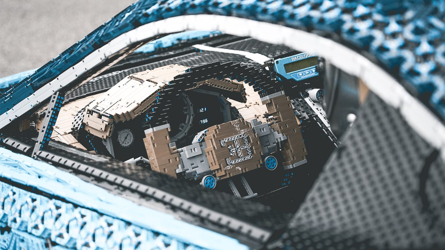 https://www.lego.com/nl-nl/themes/technic/bugatti-chiron/build-for-real?icmp=COXXXXHomeMSXTechnicProduct42083BuildForReal