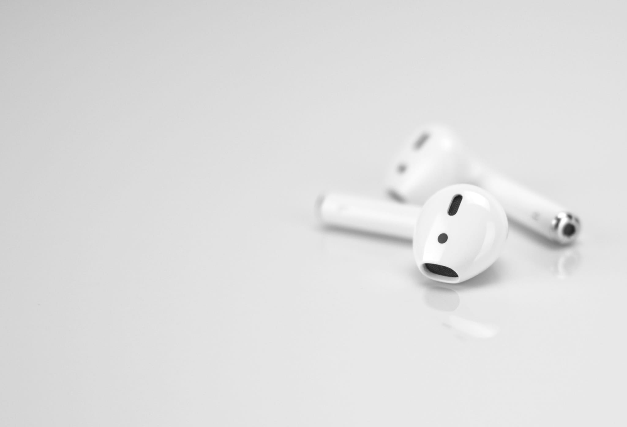 Apple Airpods 2 - barrett-ward-451723-unsplash