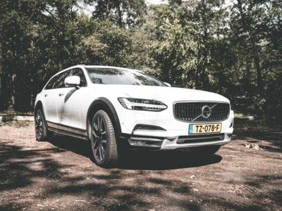 Volvo V90 Cross Country header